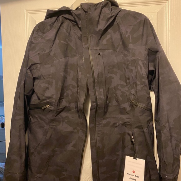 NWT Lululemon Break A Trail Jacket. Black camo.